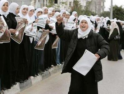 remaja-dan-wanita-tolak-blokade-gaza2.jpg